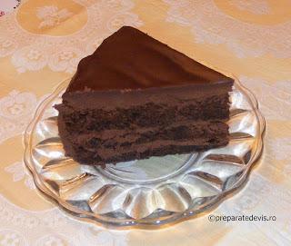 Tort cu crema de ciocolata retete culinare,