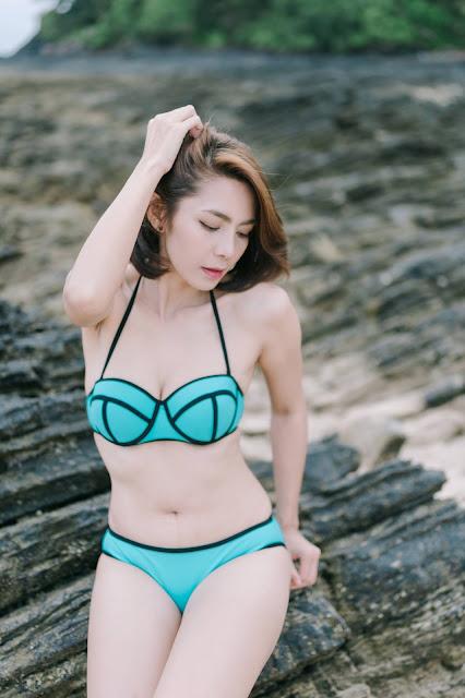 Sexy Rapeepom When Using Bikini On Beach