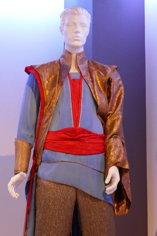Thor Ragnarok Grandmaster costume