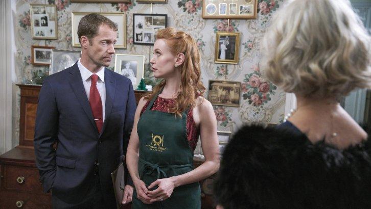 We Love Soaps: 'Christmas on Honeysuckle Lane' Premieres Tonight, Stars Alicia Witt, Colin ...