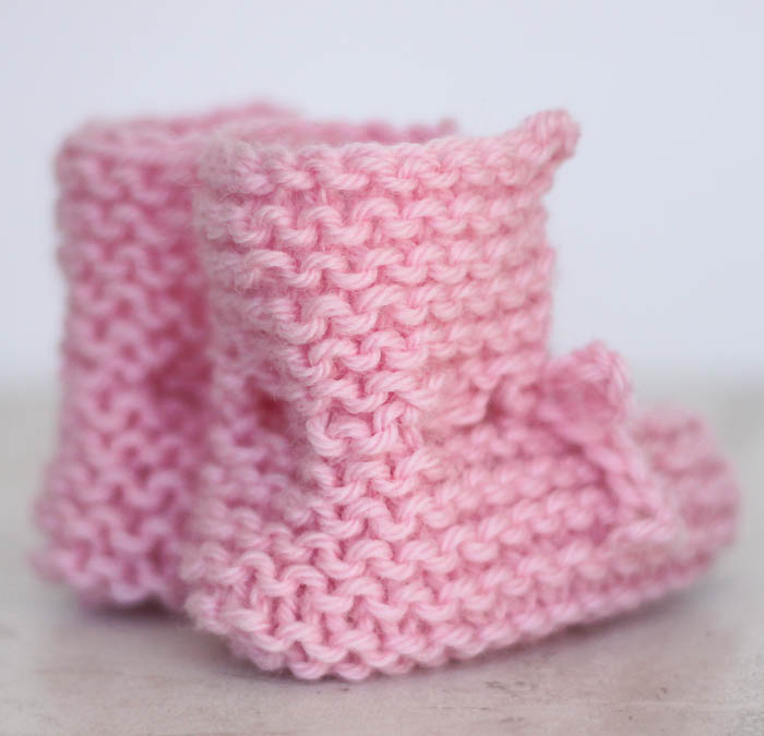 EASY Tie Front Baby Booties Free Knitting Pattern - Gina Michele