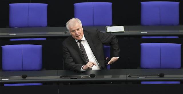Ζεεχόφερ: Θα επιστρέφουμε στην Ελλάδα τους πρόσφυγες που ήρθαν από εκεί