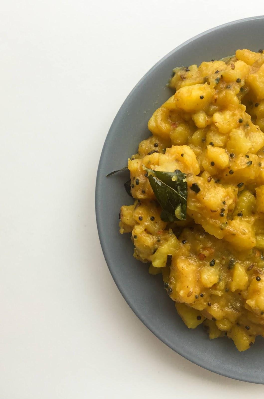 turmeric potato curry
