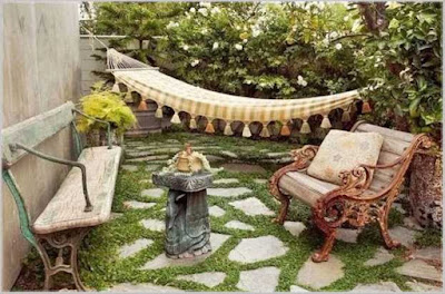 taman belakang rumah sempit