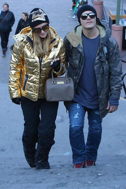Paris Hilton and Chris Zylka Stroll