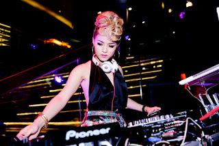 Gái xinh facebook DJ Melo