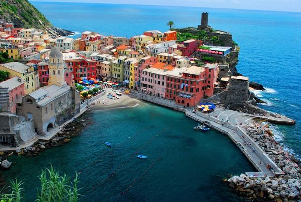Amazing Places Cinque Terre, Italy