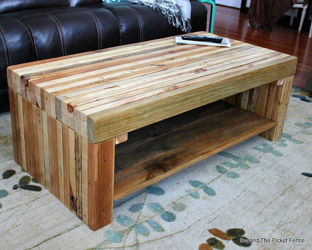pallets, reclaimed wood, coffee table, http://bec4-beyondthepicketfence.blogspot.com/2016/02/building-lessons-pallet-coffee-table.html