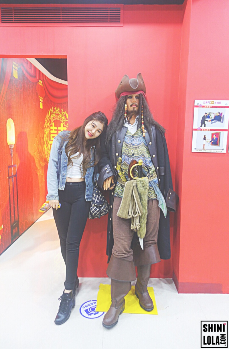Photo with Johnny Depp @ Macao Celebrity Wax Museum