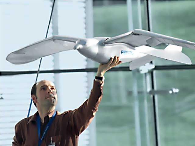 Ultralightweight Flying Robotic Seagull from Festo