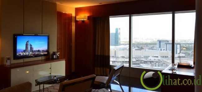 Jumeirah Emirates Tower, UEA