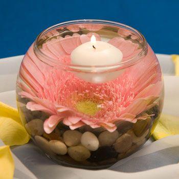 Aprende c mo hacer centros de mesa con velas y flores flotantes - Velas de agua ...