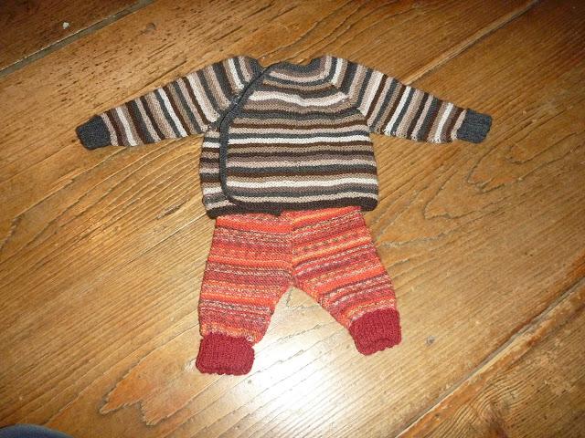 Jacke für Neugeborenes stricken Anleitung