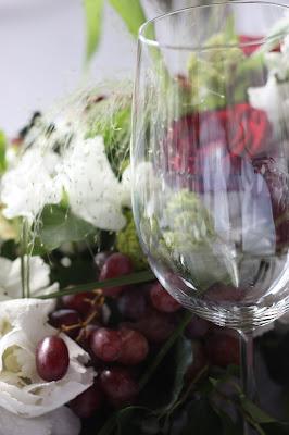Tischdeko, Monaco di Bavaria wine shades and wood grains, Hochzeitsmotto, heiraten 2017 im Riessersee Hotel Garmisch-Partenkirchen, Bayern, wedding venue, dunkelrot, dunkelgrün, Weinthema