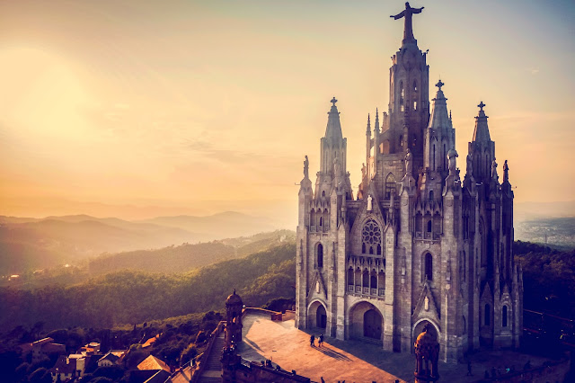 evening over mount tibidabo, travel photography by Mandy Charlton