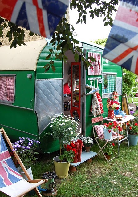 Tale Peddler: Gentlewoman, vintage caravans and a Full