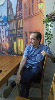Pak Bangkit Kuncoro, pemilik Huk Resto Family