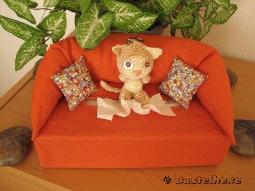 bastelhexe 39 s kreativecke kosmetikbox sofa. Black Bedroom Furniture Sets. Home Design Ideas