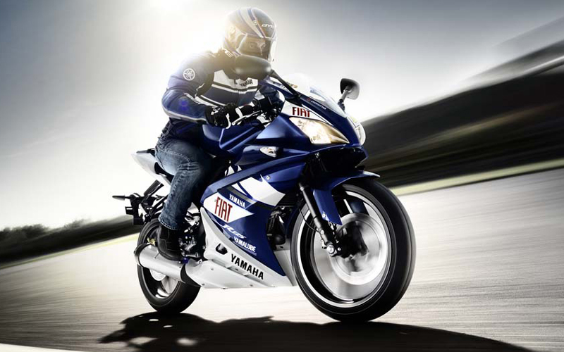 Cool Wallpapers: Yamaha R-125 Rossi Wallpapers