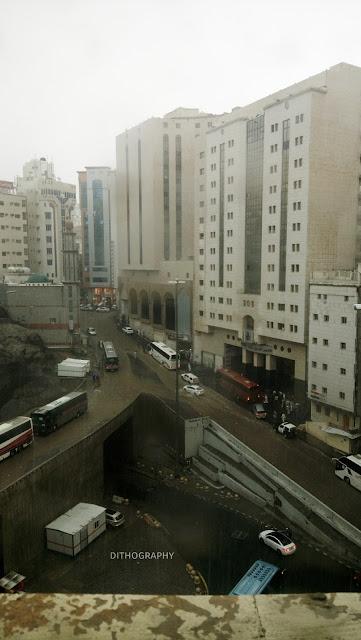 hujan deras di makkah