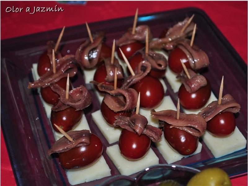 banderillas de cherrys queso manchego y anchoas