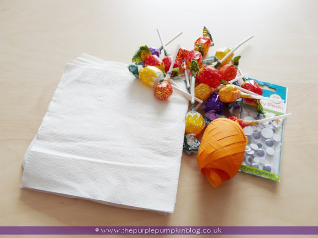 Lollipop Ghosts for Halloween Trick or Treat | The Purple Pumpkin Blog