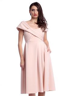 Rochie elegantă midi cu mâneca scurtă și umerii căzuți