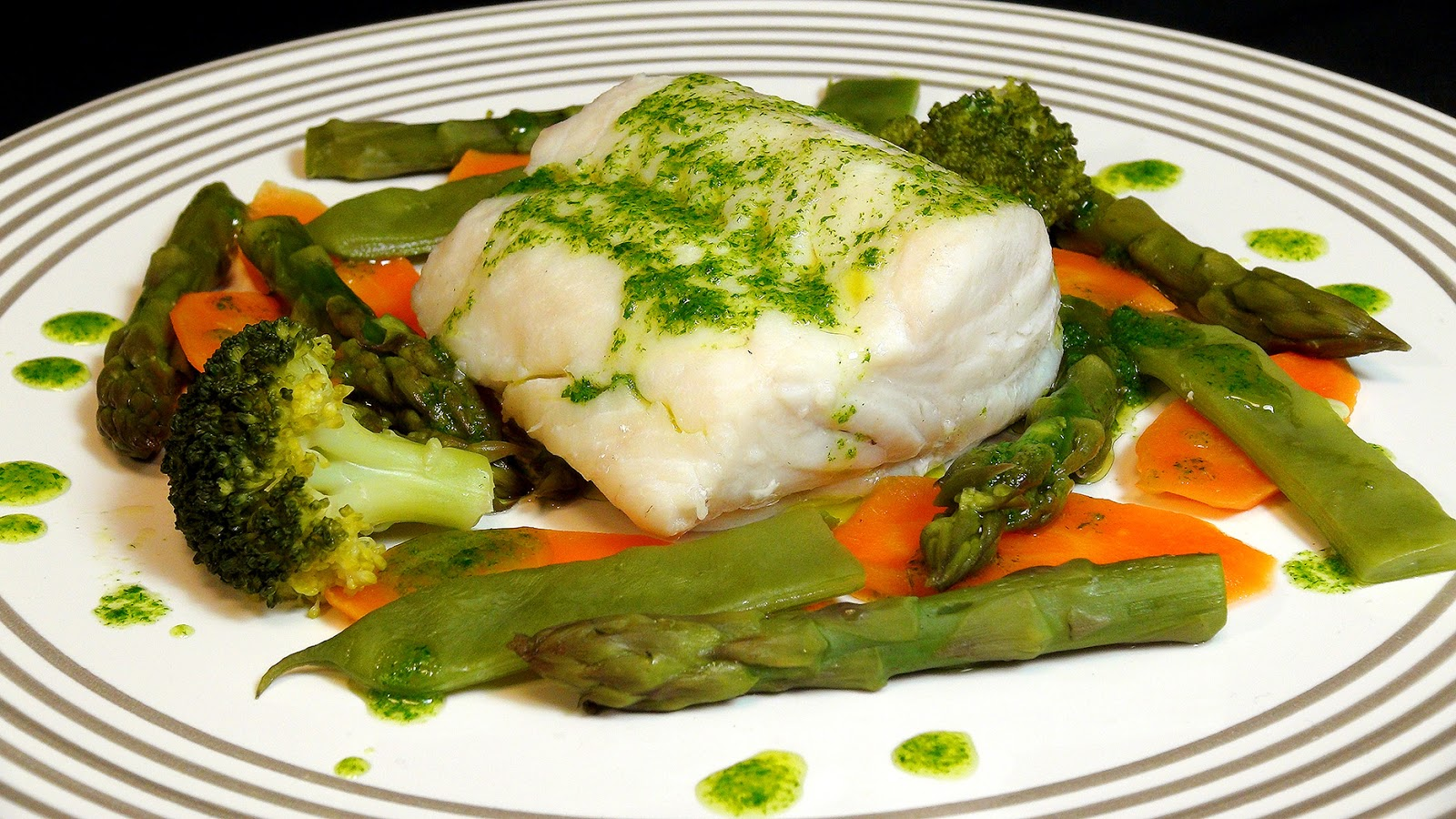 Cocinar para los amigos merluza con verduras al vapor - Cenas sin cocinar ...