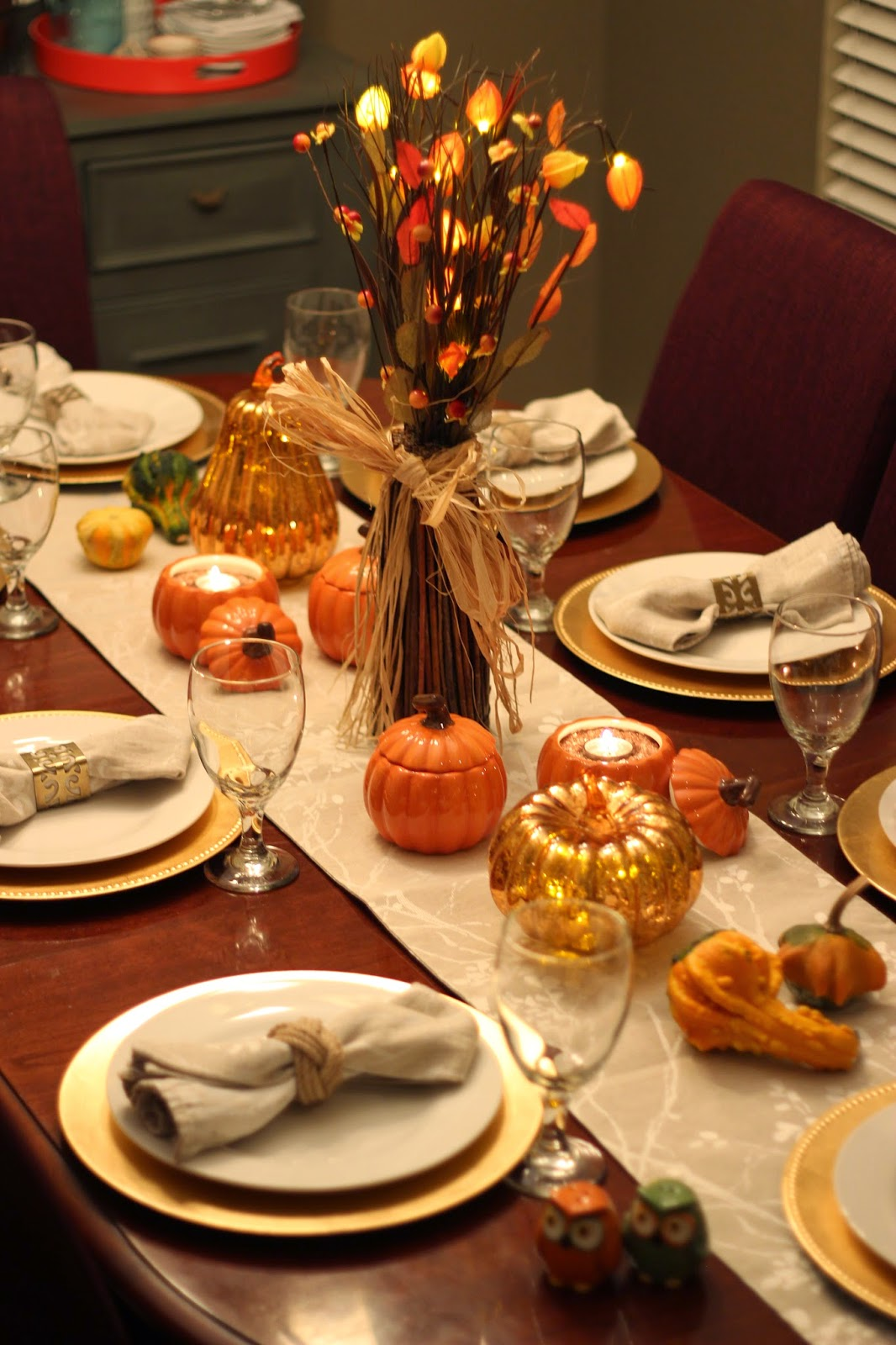 The Apron Gal: Thanksgiving Table Decorating Ideas
