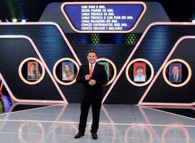 Foto: Luís Ricardo com participantes – Crédito: Lourival Ribeiro