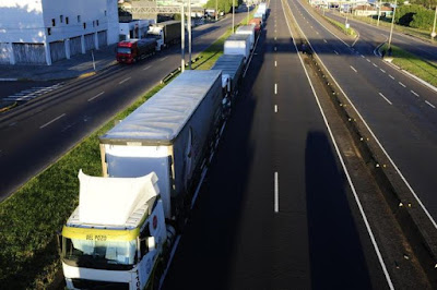 Como funciona a tabela do frete, reivindicada por caminhoneiros após a greve