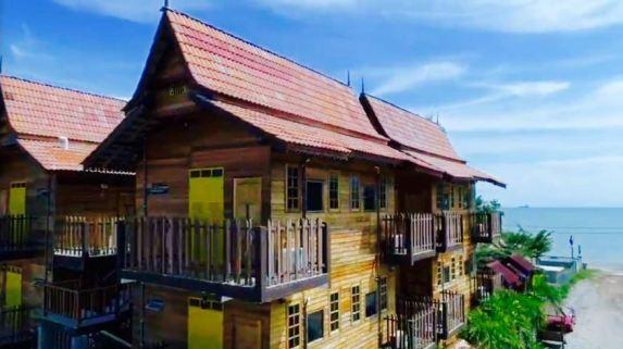 Kampong Pinang Sebatang Chalet rumah lama