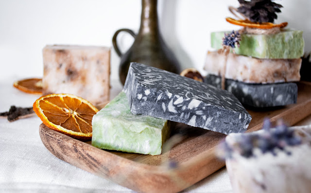 yunaban, soap, diy, seife, natura, shea, butter, cacao butter, essential oil, lime, lavender, herbal, christmas gift idea, avocado oil, charcoal, soap bar, vegan, swiss, schweiz, switzerland, seife selber machen, diy soap bar, natural soap