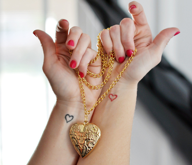 CR Tattoos Design: Small Heart Tattoos For Girls