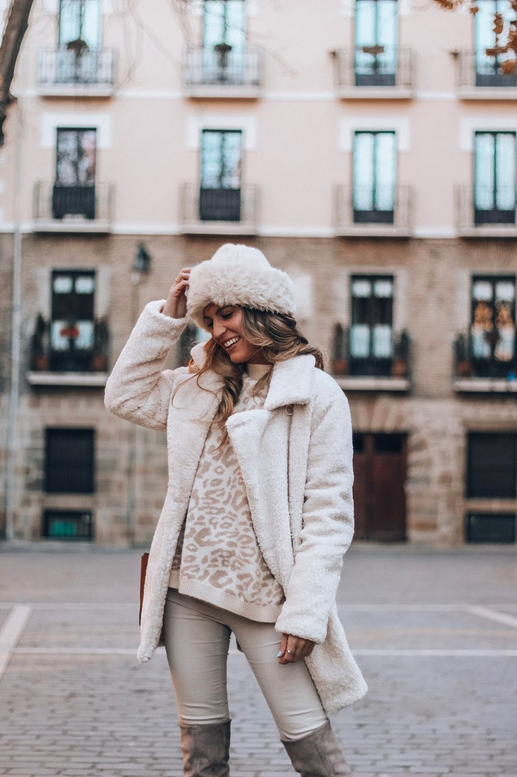 abrigo peluche blanco