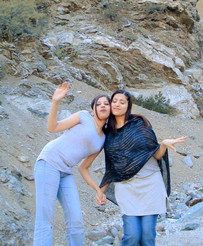 Beautiful Pakistani Girls Pictures, Modern and Fashionable