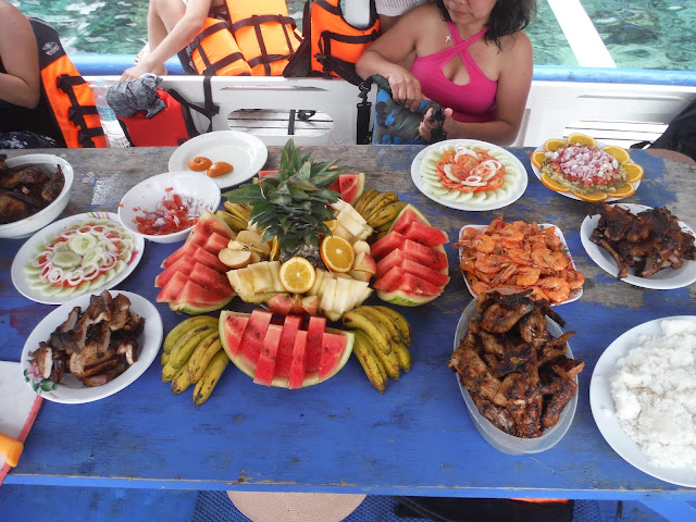 lunch buffet island hopping el nido palawan philippines