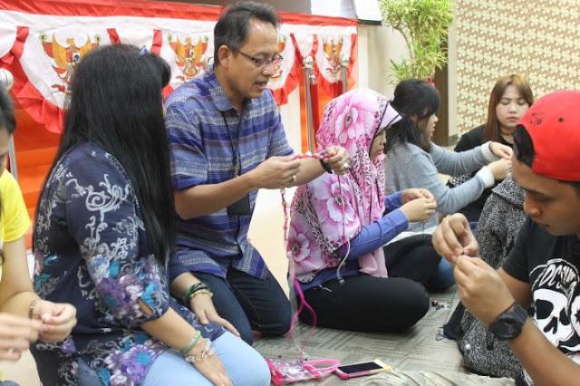 KDEI Taipei Menggelar Pelatihan Seni Simpul Tali 'Chinese Knotting' Untuk BMI Taiwan