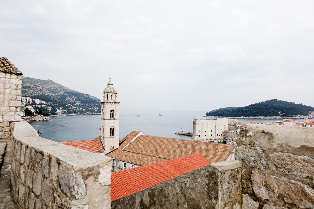 travel-blogger-guide-croatia-dubrovnik-old-town-lifestyle-photography