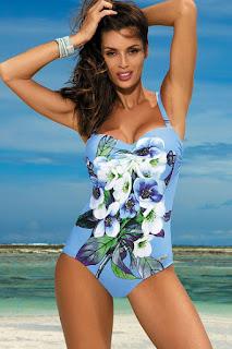 Costum de baie intreg cu push-up albastru-deschis cu imprimeuri florale •