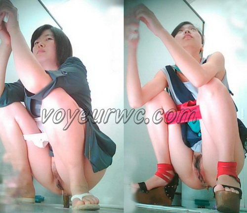 China Voyeur Shit Toilet SpyCam 15. Beautiful girls shitting. (Chinavoyeur B303-374)