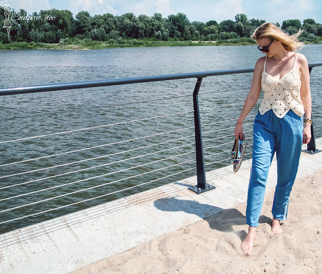 szydełkowy top, lato, jeans, plaża