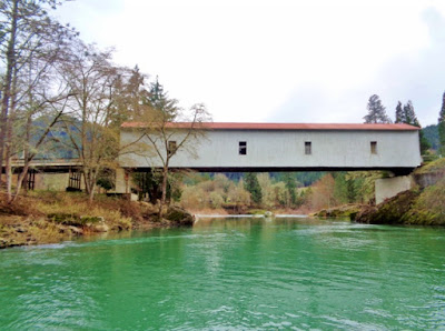 Covered-bridge-Milo-Oregon