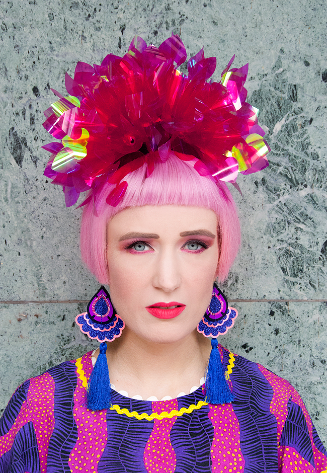 Sara is in Love with… blogger ootd style fashion Frida Kahlo Celia B African print fascinator Fumbalinas pink hair Melissa shoes Karl Lagerfeld