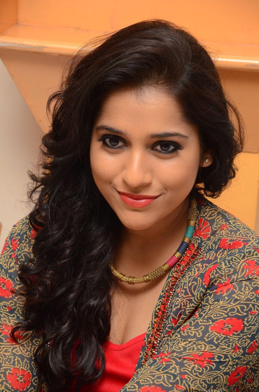 rashmi gautam new sizzling in red-HQ-Photo-4