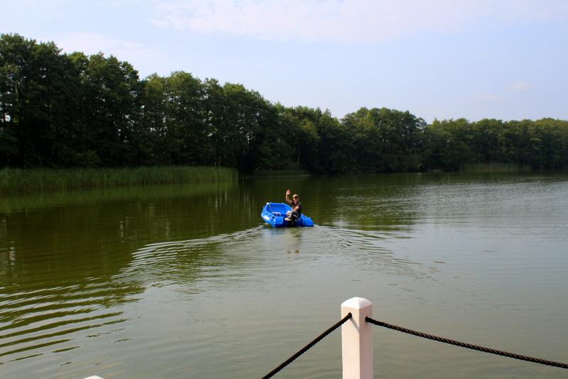 Der Kapitän fährt Beiboot in kornblumenblau | Arthurs Tochter Kocht by Astrid Paul