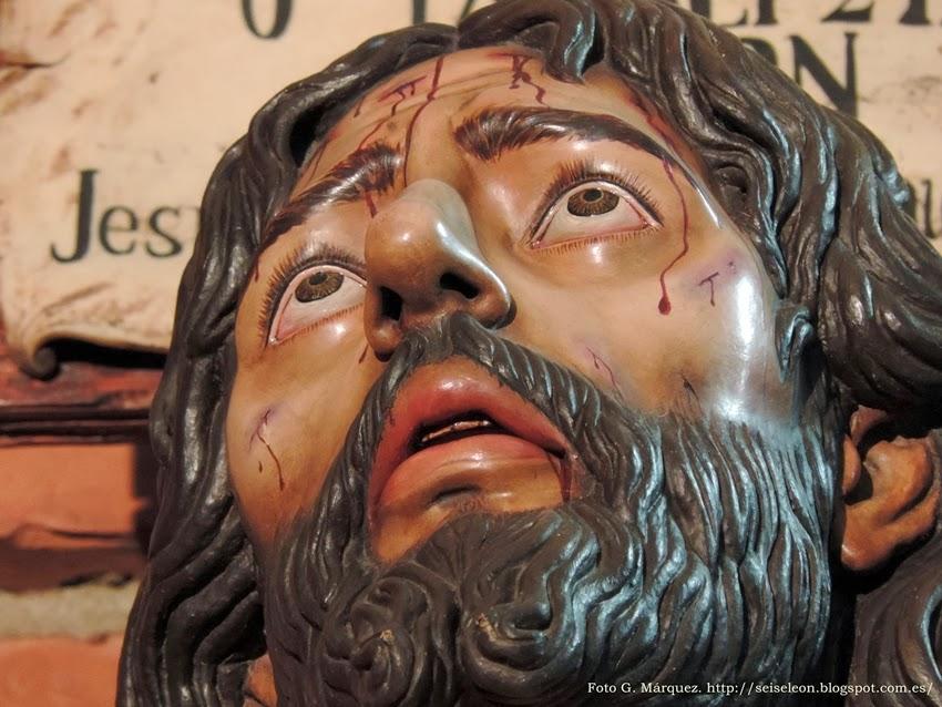 Cristo del Desamparo y Buen Amor. Misterio de la Cuarta Palabra. Cofradía de las Siete Palabras. León. Foto G. Márquez.