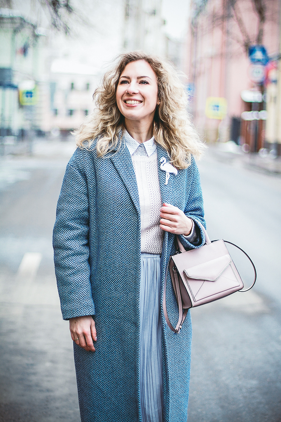 Margarita_Maslova_Ritalifestyle_Fashion_blogger_Moscow_Romantic_style_sport_chic_niagara_color_spring2017_valentins_day_look