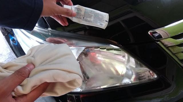 Bersihkan Kaca lampu mobil Buram kusam