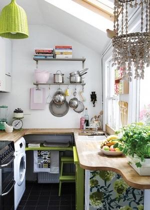 Dapur dengan pencahayaan baik